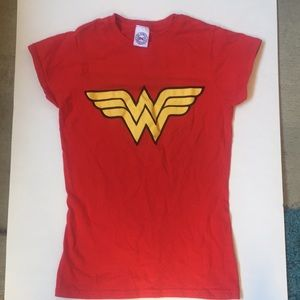 Wonder Woman Tshirt by D.C. comics